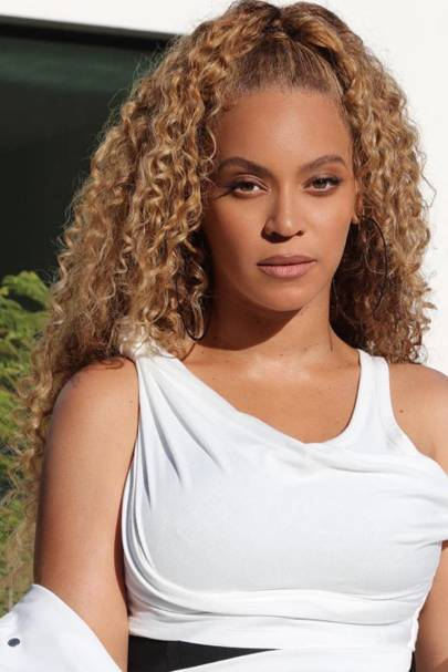 "Beyoncé's natural curls are back! Her colourist, Rita Hazan, tells GLAMOUR, ""It's wonderful for me as a colourist because she is showing that it's possible ..."