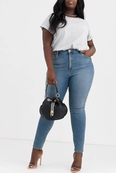 Best Jeans For Curvy Women: Pale Blue Wash