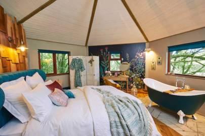 Best couples treehouse holiday UK