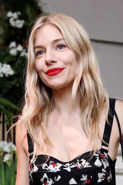 27 women who love a red lipstick 💋