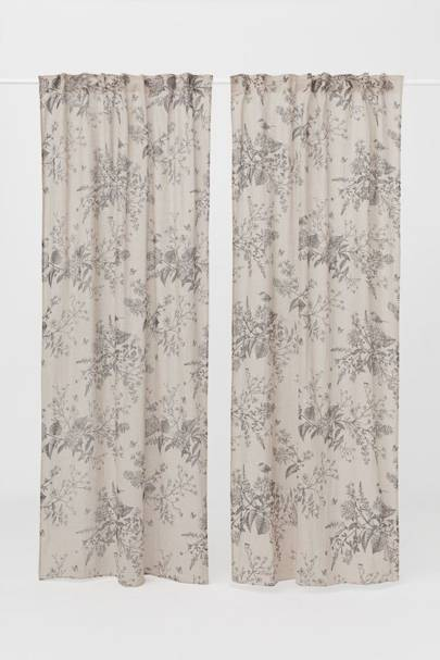Best H&M Buys: the stylish curtain
