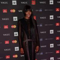 5ft 9in: Naomi Campbell