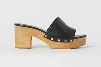 UGLY SHOES: WOODEN MULES