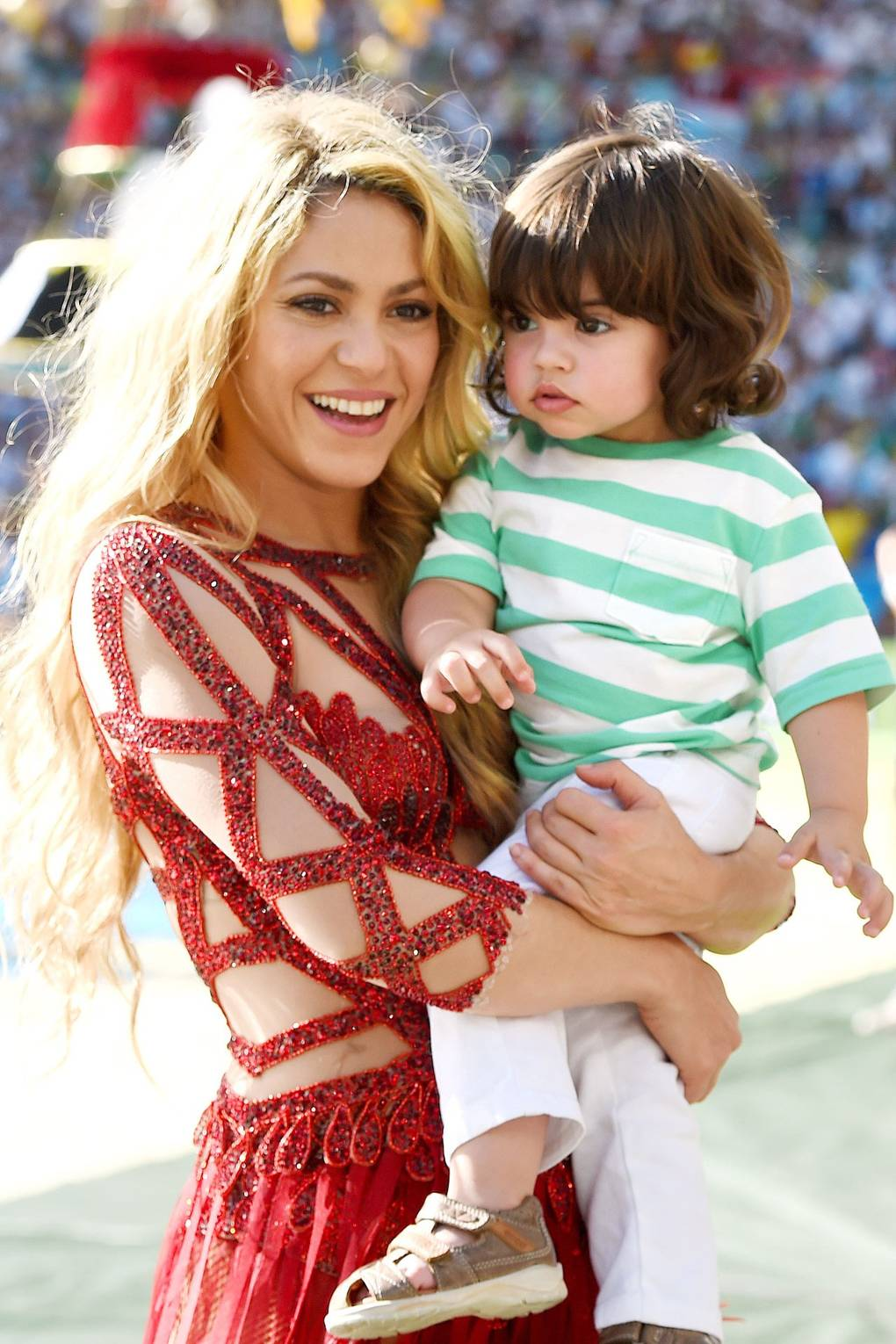Shakira Pregnant Baby News Gerard Pique Baby Name To Be Revealed Glamour Uk