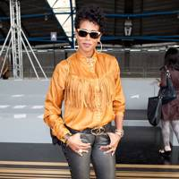 Kelis at Topshop Unique after racist remarks