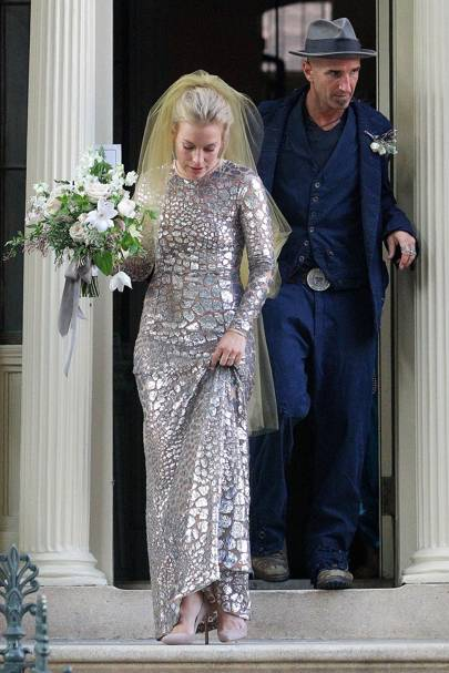 Piper perabo gets married see her unique wedding dress glamour uk piper perabo gets married see her unique wedding dress junglespirit Choice Image