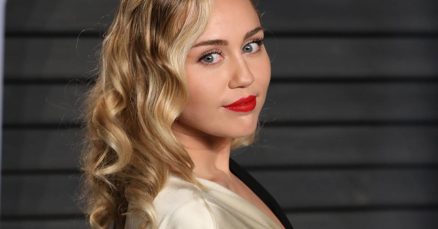 Miley Cyrus is bringing back Princess Diana's iconic 'mushroom mullet' from the '80s, and hairdressers say the cut 'contours your face'