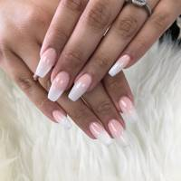 A Por Nail Trend At The Moment Is Baby Pink Base That Transitions To White Tips It S An Ombré Take On Clic French Mani And Looks Trés Chic