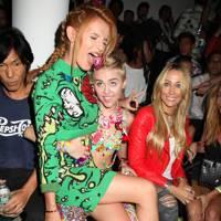 Miley Cyrus & Bella Thorne