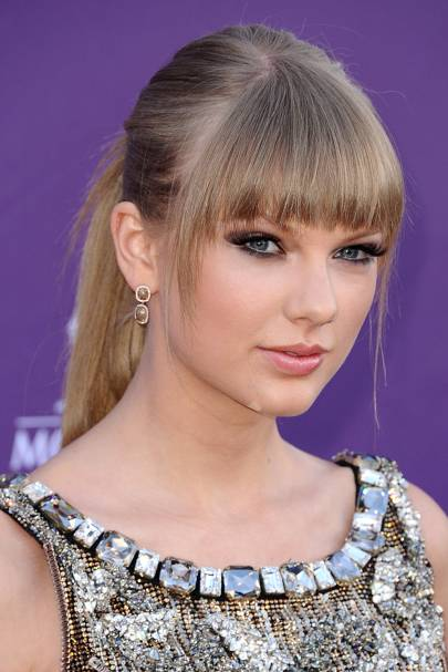The how-to-do a ponytail with bangs