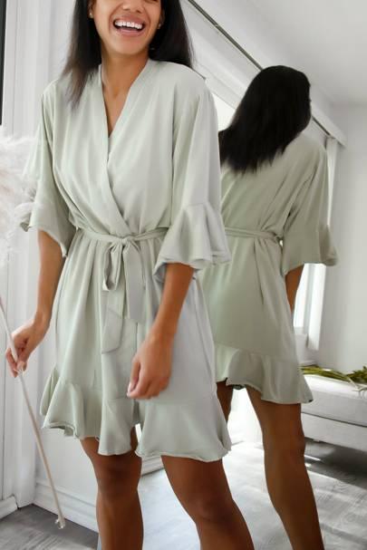 Bridesmaid robes: the ruffled robes