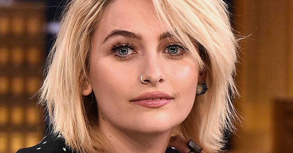 How To Style Grown Out Roots Celebrities With Dark Roots Hair