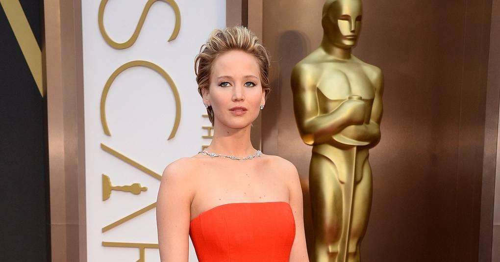 Jennifer Lawrence Falls Again! – Oscars 2014 Video ...