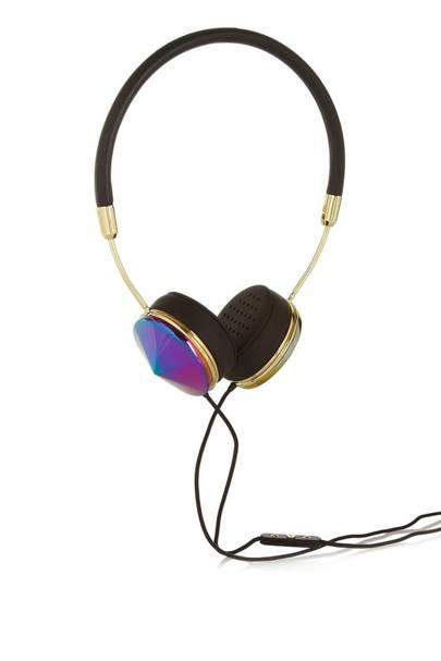 Listening to loud music on headphones