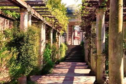 Hampstead Pergola, Hampstead