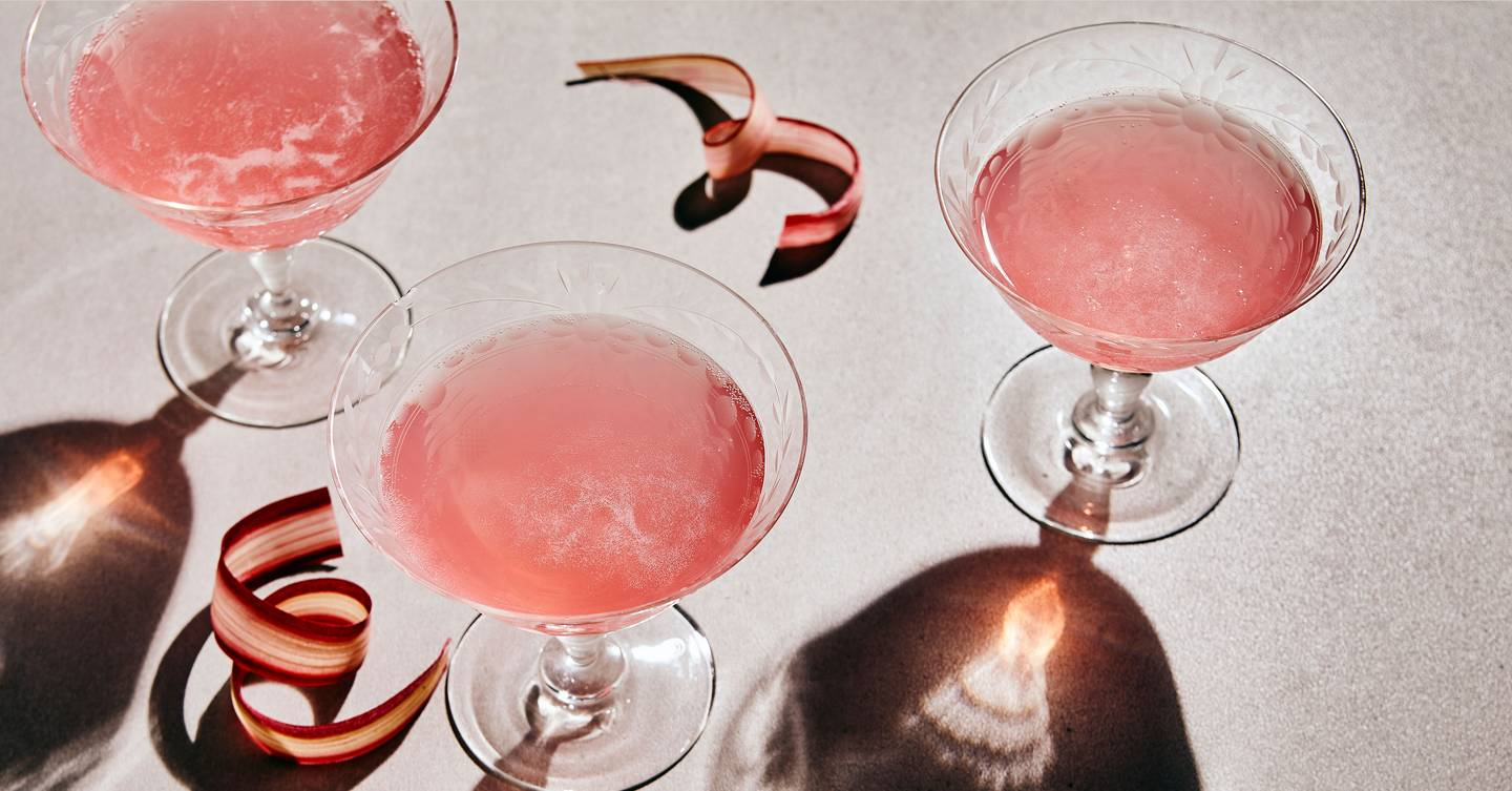 Here's what happens to your body when you stop drinking alcohol (including a week-by-week breakdown of the benefits to expect)