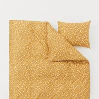 Best H&M Buys: the bed set