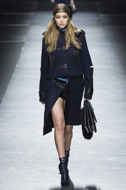 THE MODEL MOMENT: Stella Tennant vs The Versace supers