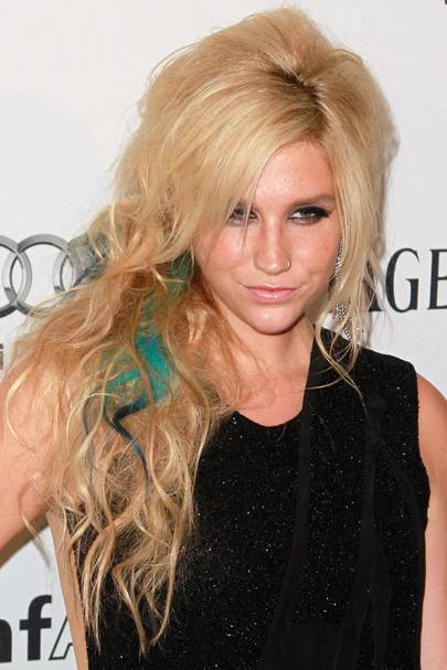 DON'T #19: Kesha's messy hair day - June