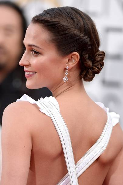 Alicia Vikander's twisted look