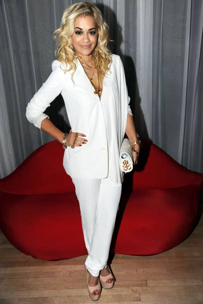 Rita Ora – Suit To Suit