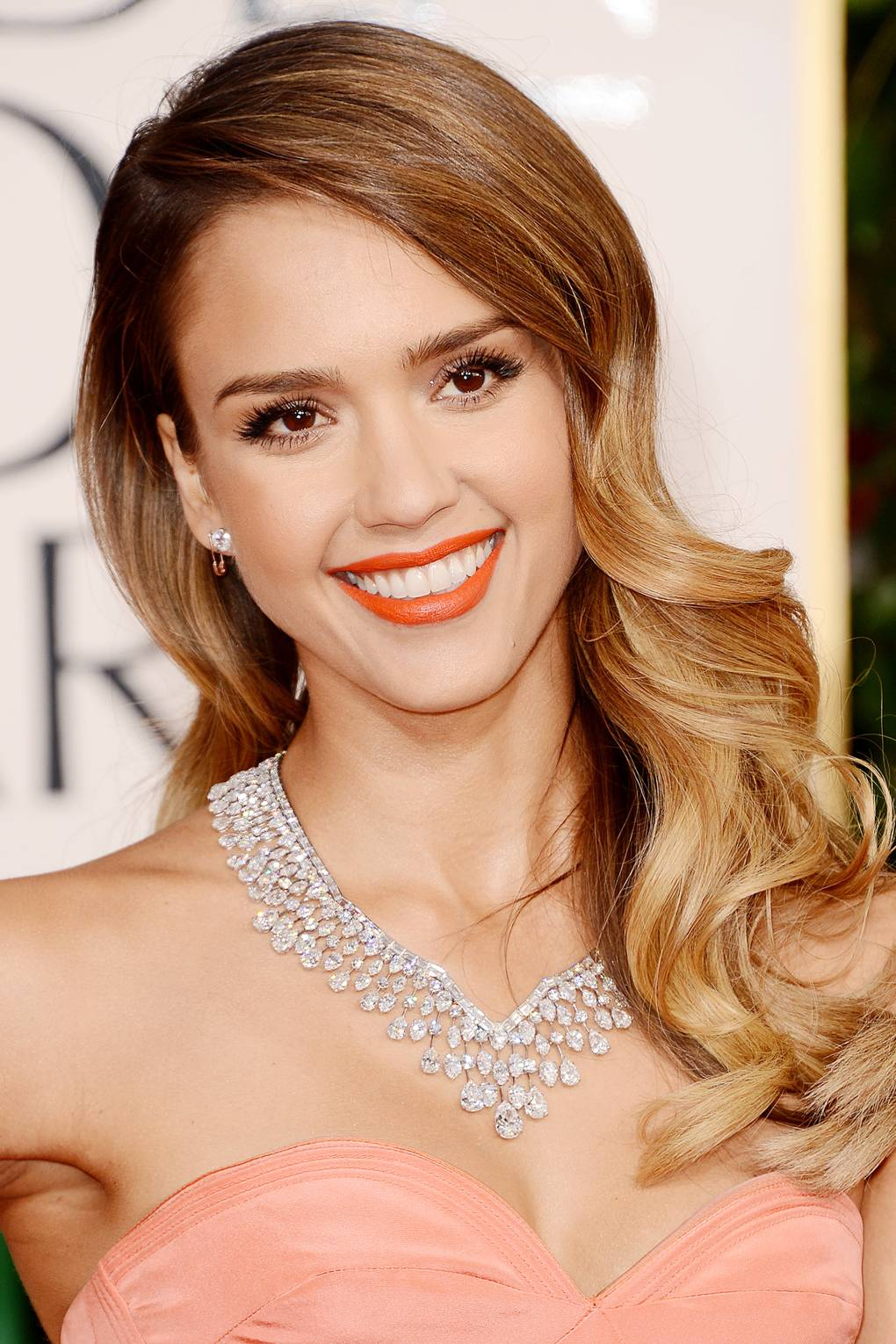 Jessica Alba Updo Hairstyles How To Do Side Swept Hair Step By Step Guide Glamour Uk