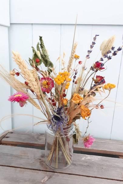 Dried flowers: the jam-jar bunch