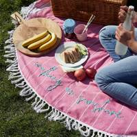 Round picnic blanket