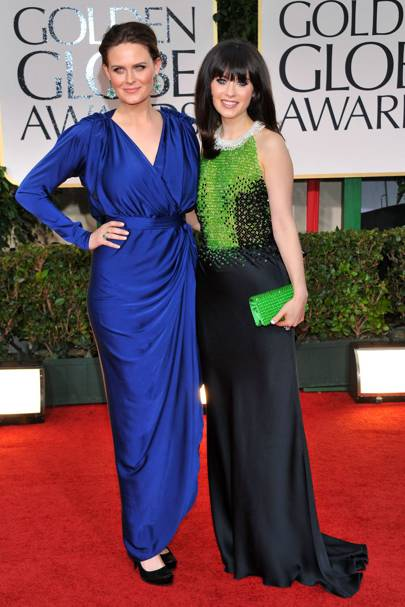 Zooey Deschanel and Emily Deschanel at the Golden Globes 2012
