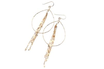 Manhattan Chain Hoops by Delicora