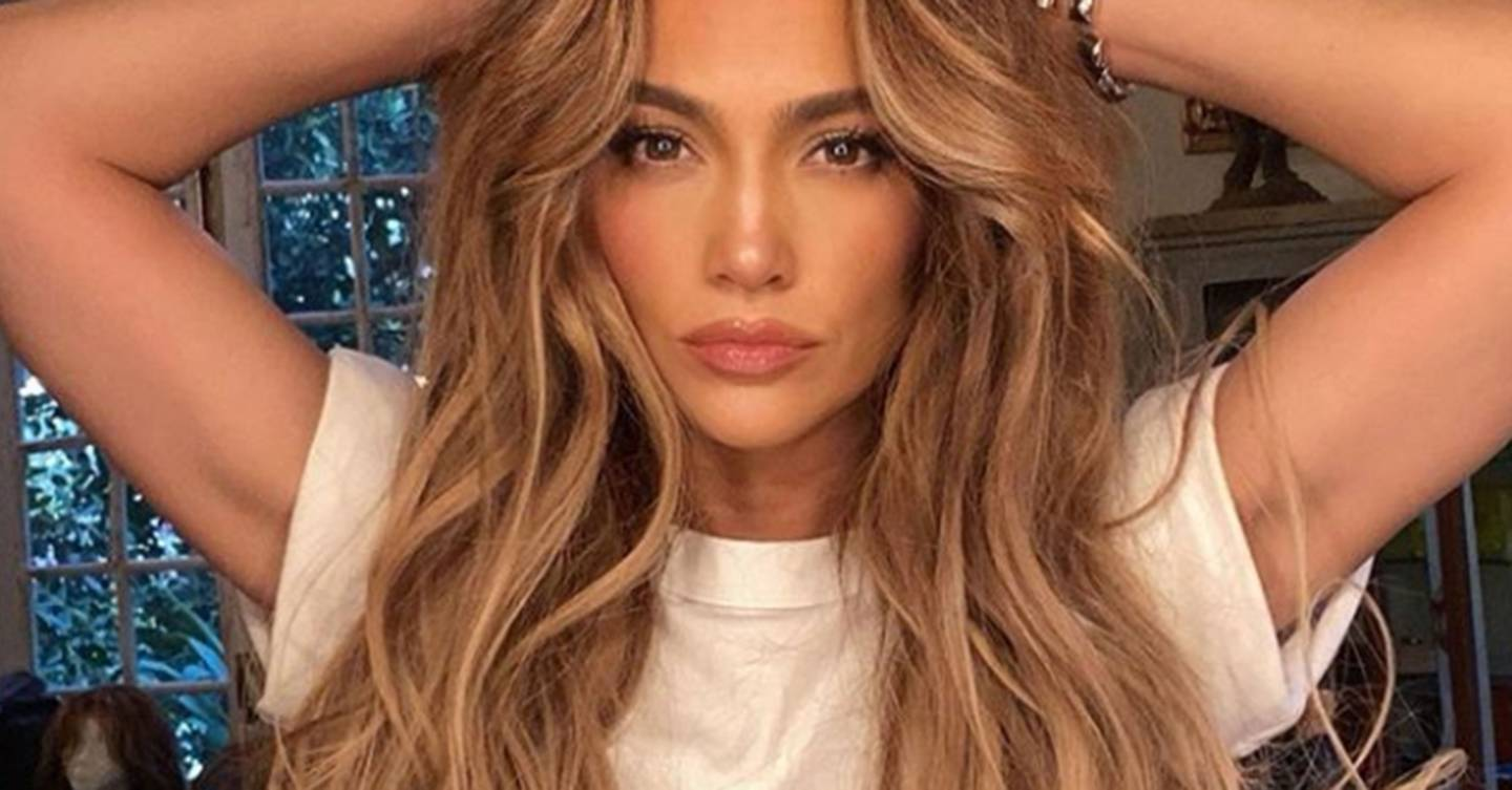 Invisible Layers Hair Trend Gives You Instant Cheekbones Glamour Uk