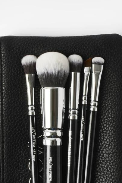 The makeup brushes