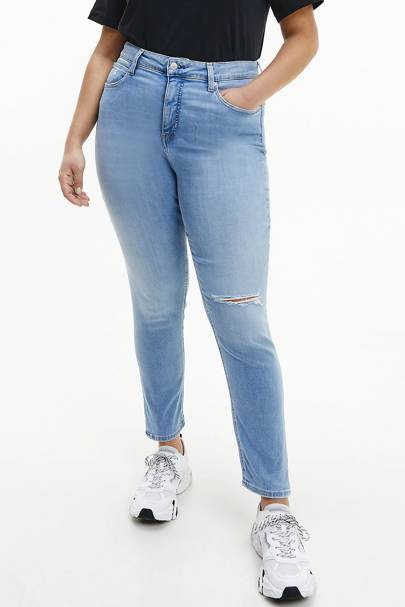 Best Jeans For Curvy Women: Slim Ankle