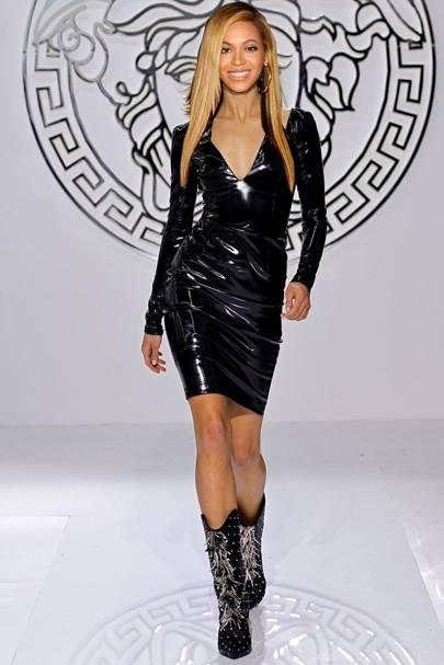 Versace (c)
