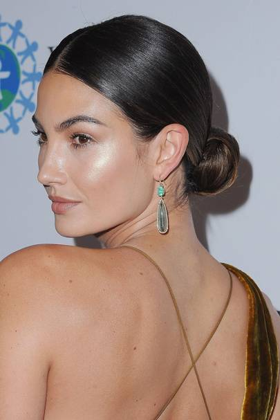 Messy Bun Hairstyle Trend Celebrity Hair Glamour