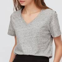 Best V neck t-shirts: Uniqlo