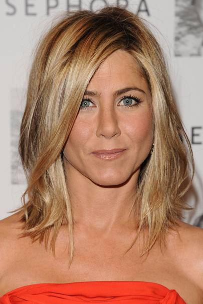 2011 Why Not Up Your Sex Appeal Like The Master Jennifer Aniston By Stepping Out With A Head Of Tousled Curls Gorgeous