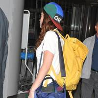 Kristen Stewart arrives at Narita airport to leave Japan