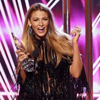 28+ Blake Lively People's Choice Awards  Wallpapers