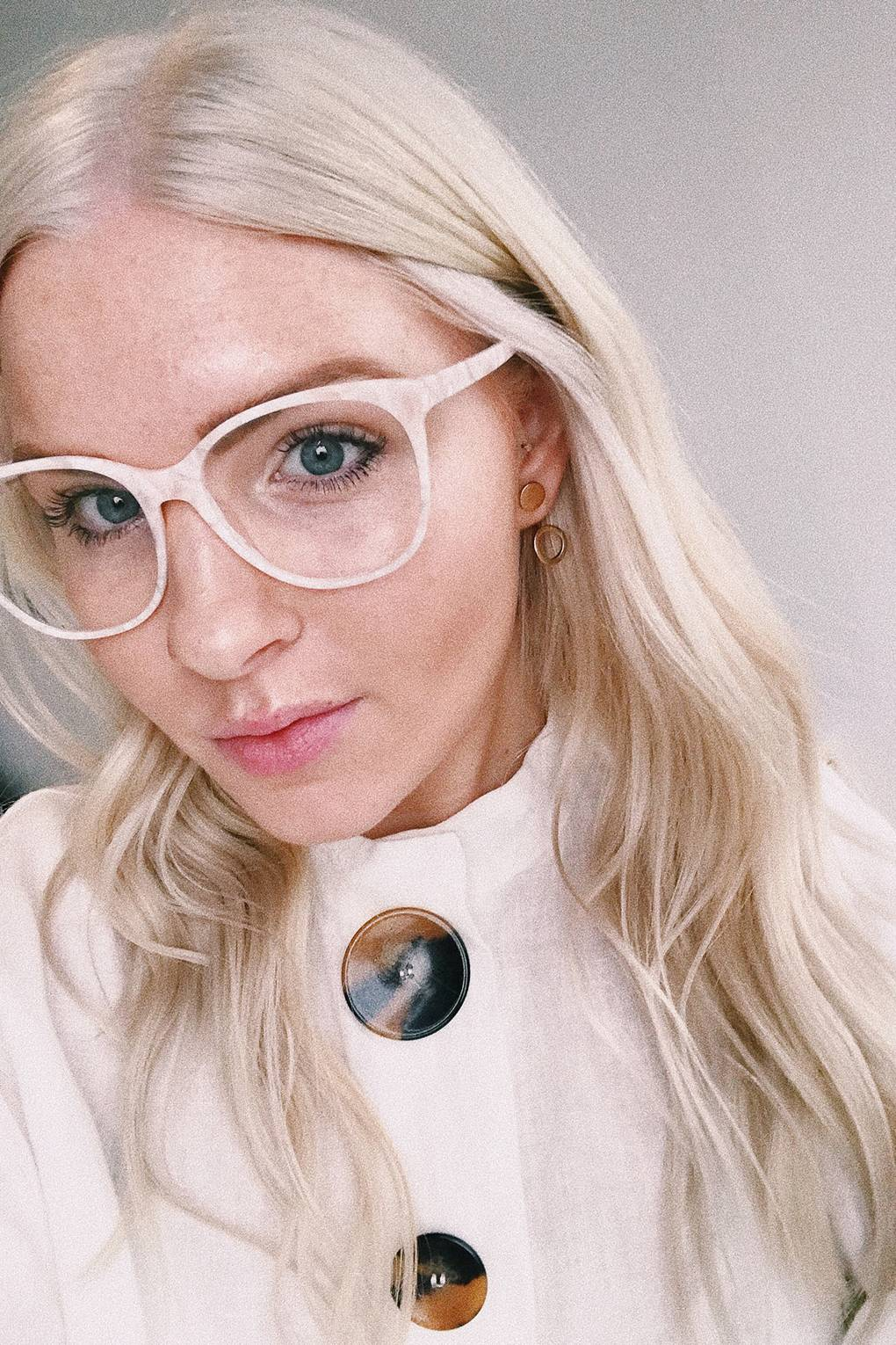 White Blonde Hair How To Go Platinum Blonde And Best Products