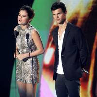 Selena Gomez and Taylor Lautner at the MTV VMAs 2011