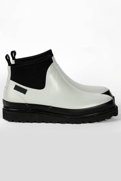 BÒTANN: White Ankle Boots