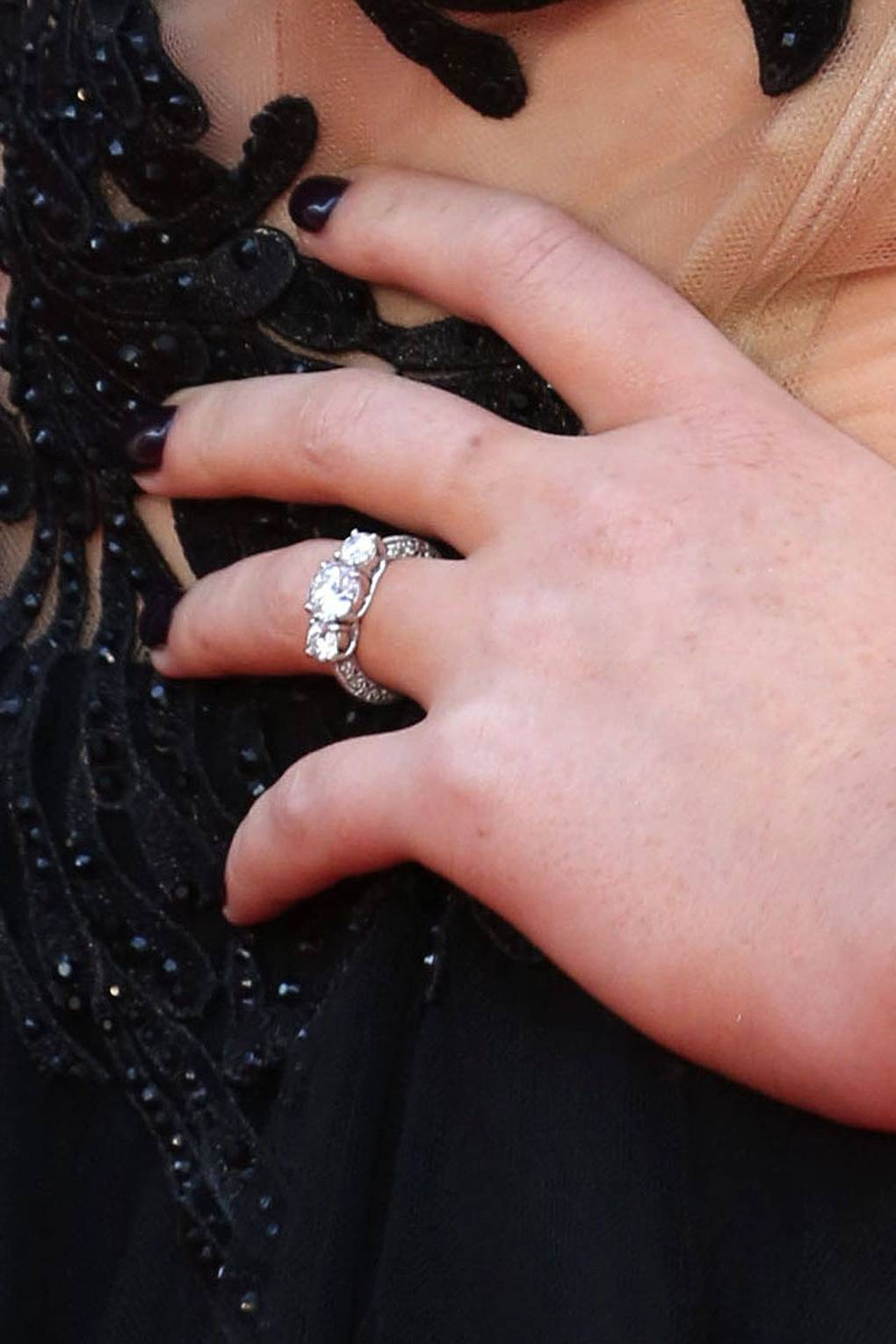 Zayn Malik & Perrie Edwards Engaged 2013 - Wedding Dress & Ring ...