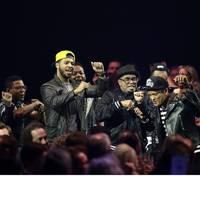 Bruno Mars wins International Male Solo Artist
