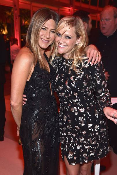 2ce587c6ef3  Friends  on-screen sisters Jennifer Aniston   Reese Witherspoon reunite  post-Oscars