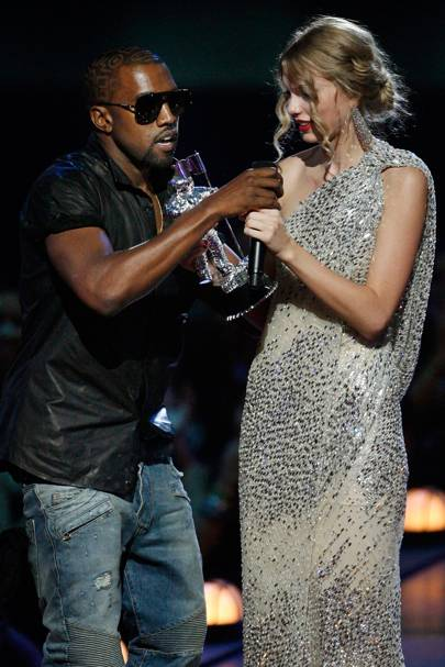3. Kanye interrupts Taylor's speech