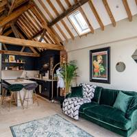 Best Airbnb UK Couples