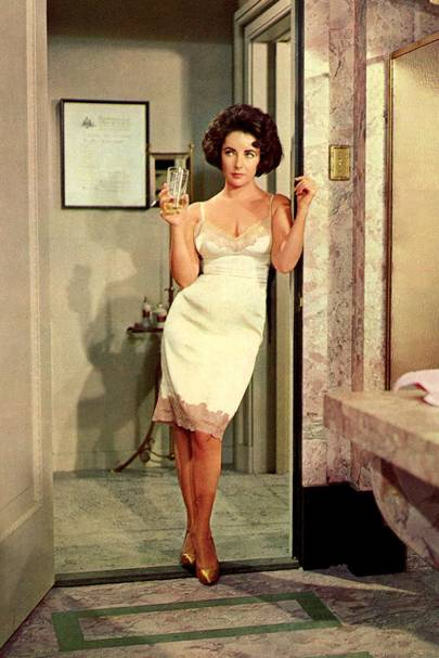 Elizabeth Taylor Fashion Style Icon Glamour Uk