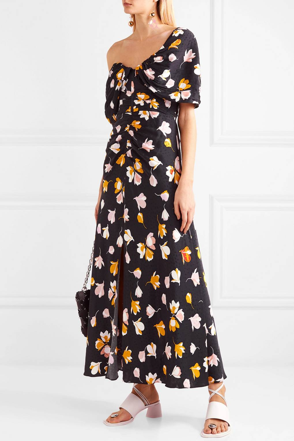 f7070e19e68c Spring Wedding Guest Dresses - What To Wear To A Wedding In 2019 | Glamour  UK