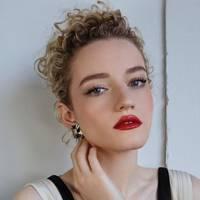 Julia Garner